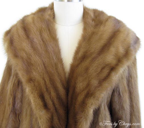 Whiskey Mink Coat Collar Close Up image